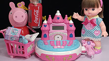 <B>小猪</B><B>佩奇</B>饰品店买可乐唇膏口红故事